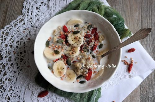 PORRIDGE DE QUINOA AUX SUPERALIMENTS