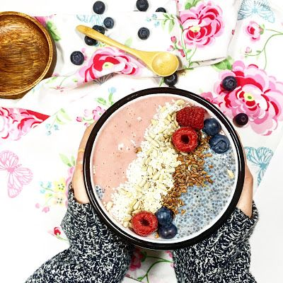 Smoothie bowl à la framboise {Octobre rose}