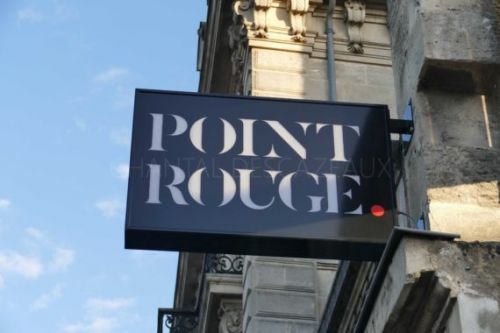 Point Rouge - Bar à Cocktails chic et décontracté