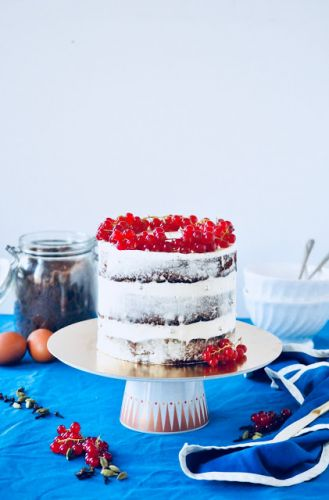 Chai spices, black tea and red fruits naked cake | Naked cake aux épices, thé noir et fruits rouges